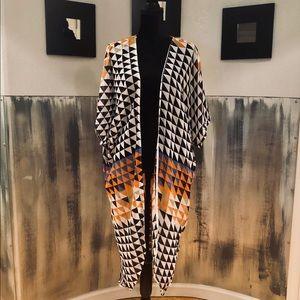 Other - Sheer Black And White Geometric Print Kimono OSFA